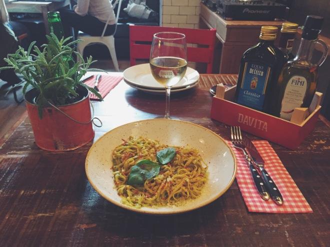 Taglioline con salsa Pesto Fresco alla Genovese del restaurate Davita