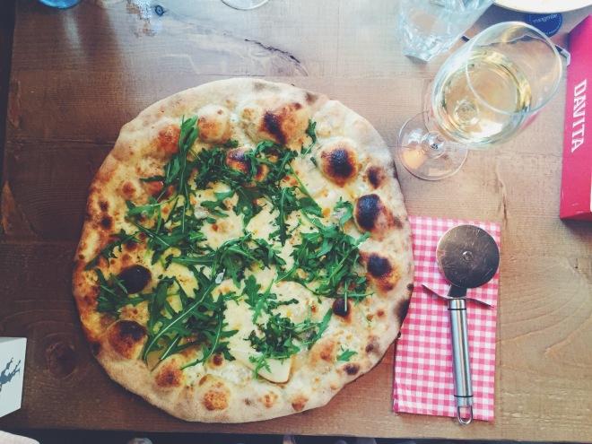 Pizza Gorgonzola e Pere del restaurante Davita